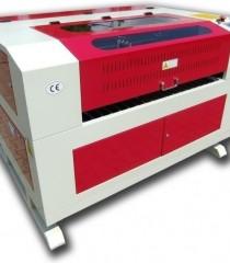 Masini de gravat si taiat cu laser CO2